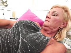 Facialized gilf loves getting pounded