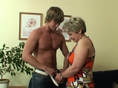 He bangs her grown-up fuck hole on the couch