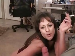 Hot Mature Cougar Dances Before Smoking Oral sex