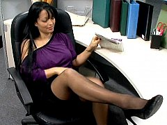 Reception girl fucking right on her desk