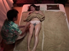 Subtitled Japanese massage clinic boobalicious dame oil treatment