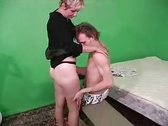 RUSSIAN MOM 10 old with a youthful lad