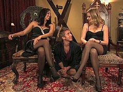 Blondine, Domination, Frau, Weibliche domination, Frau frau mann, Gruppe, Strümpfe, Flotter dreier