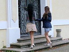 18 años, Morena, Linda, Europeo, Sexo duro, Lesbiana, Falda, Adolescente