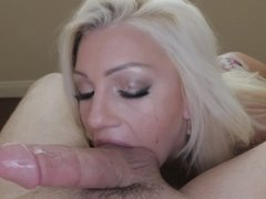 Cocksucking Cameron Dee gets a nice big facial