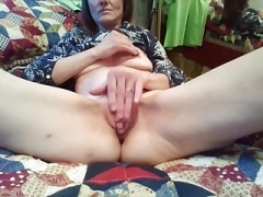 Sexually available mom finger