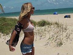 18 jahre, Leie, Bikini, Blondine, Vollbusig, Freundin, Jungendliche (18+)
