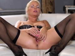 Excited czech kitten spreads her soft slit to the extreme47dJl