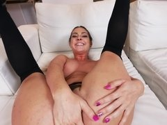 A hot bimbo is making her man feel amazing by doing a blow job