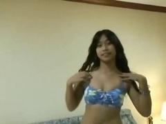 Pattaya Thai whores gives a amazing Bj