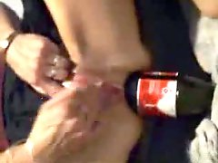 Coca cola bottle is utterly fine to fist her asshole