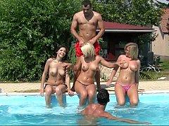 Leie, Blondine, Braunhaarige, Gruppe, Orgie, Pool, Realität, Jungendliche (18+)