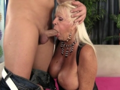 Floppy Titted Grandma Gets down and dirty a Shaved Guy