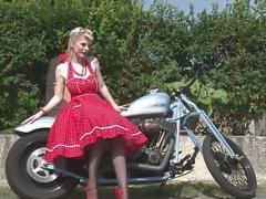 Her boyfriend's bike made her utterly excited