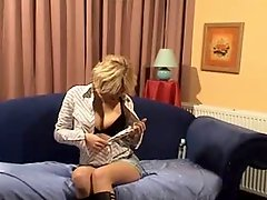 Dutch chick masturbates