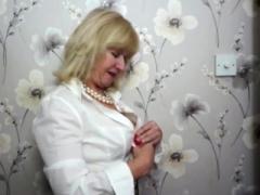 British housewife Emily Jane fingering herself