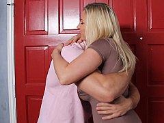 Grote mammen, Blond, Pijpbeurt, Hardcore, Huisvrouw, Moeder die ik wil neuken, Moeder