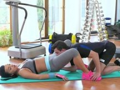 FitnessRooms Several orgasms for black haired gym nymph