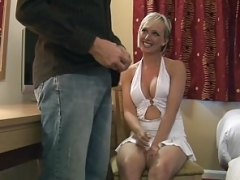Enthousiasteling, Brits, Naakte man aangeklede vrouw