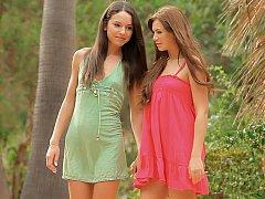 18 años, Asombroso, Morena, Linda, Vestido, Lesbiana, Flaco, Adolescente