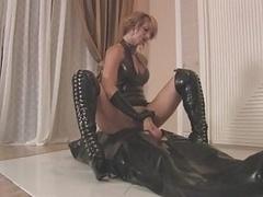Mistress Varla Latex Handjob