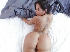 Bigbooty latina Point of view drilled on all fours