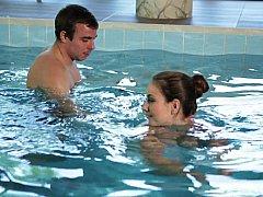 Salle de bains, Couple, Mignonne, Hard, Seins naturels, Piscine, Douche, Maigrichonne
