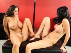 Ava and furthermore Dava decide to give each supplementary x-rated lap dances