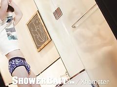 ShowerBait - Vincent James Seduces & Fucks Zak Bishop