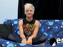 Emo twink Austin Mitchell gives his cock a good wanking
