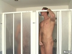 Tattooed gays Enzo Bloom and Fernando Torreta bang in a bathroom