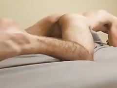 Pillow thrust hump