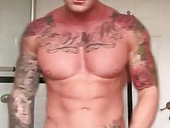 Billy Essex show body
