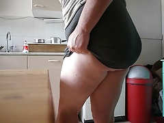 CD Showing off plump Fat spank Ass and Titties