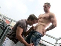 Muscular homos Franc Zambo and Thomas fuck on a balcony