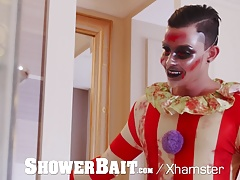 ShowerBait - Freaky Clown Creeps Up On Horny Dude