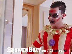 ShowerBait - Freaky Clown Creeps Up On Horny Dude