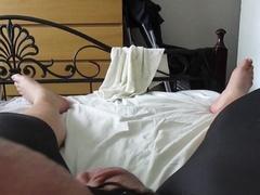 Wanking and cumming in tight leggings