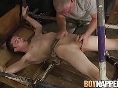 Sebastian Kane tries his new contraption on Eli Manuel