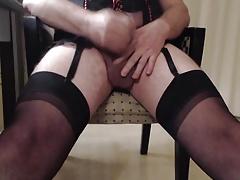 Amature CD cumming in stockings and suspenders