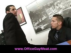 Gay guy decides to seduce his boss to keep his job