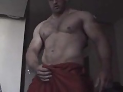 Muscled vocal guy jerk off