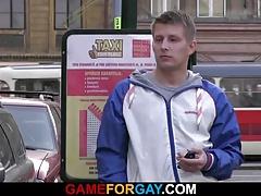 He seduces and ass-fucks a taxi driver