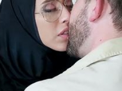 Tiny Teenage Fucked In Hijab - TinyGal