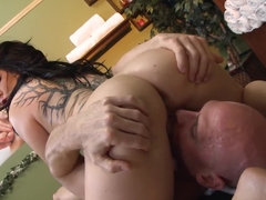 After being in a position 69, she impaled her pussy on his pole