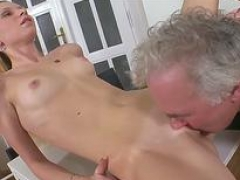 mature fella eats  vag 18-19 year old feature 5