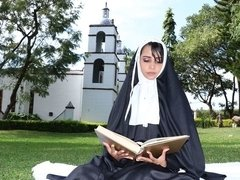 Stunning nun Yudi Pineda opens her tight ass for a lustful priest