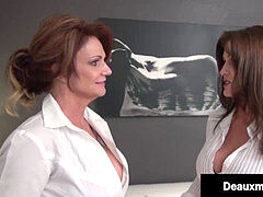 Smoking mummies Deauxma & Taylor Ann smash Patient For Money!