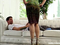 Sarah Vandella - Gets Fucked In Sexual Chores With Stepmom