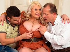 Awesome BBW blonde Samantha Sanders penetrated by two younger guys